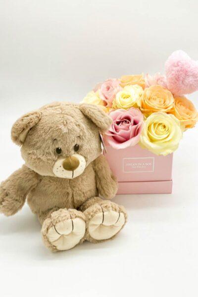 Square-Midi-con-rose-fresche-pastel-mix-junior-ted-e-pin-peluche-a-cuore