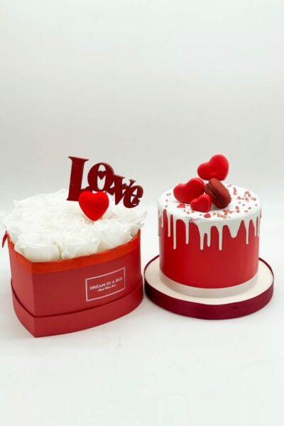 mini-Love-cake-da-10-cm-e-cuore-Dream-a-little-Dream-con-rose-stabilizzate