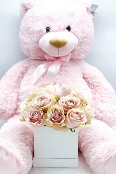 square-midi-bianco-con-rose-rosa-pallido-e-orso-ted-rosa-120cm